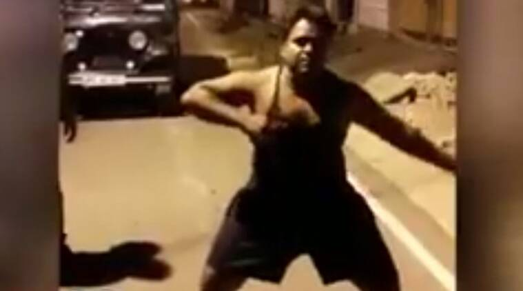 dancing thief, dancing thief jhansi, chain snatcher dances for police, indian express, indian express news