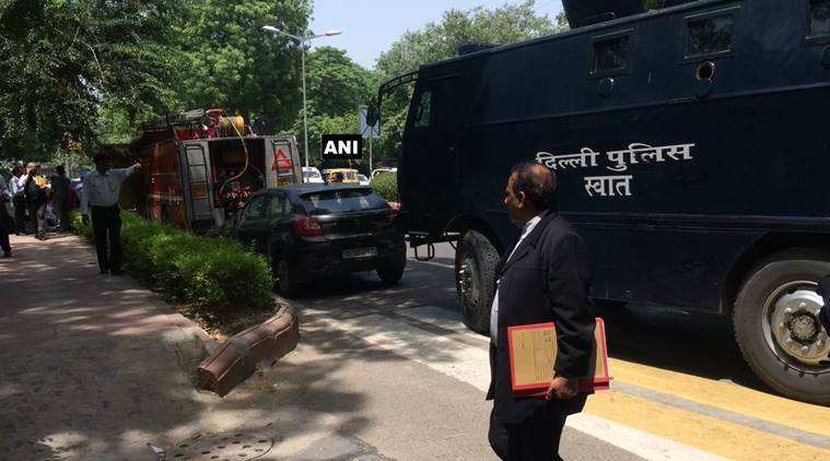 Bomb Scare in Delhi High Court, bomb disposal squad at Spot