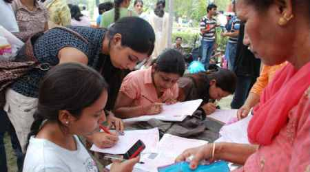 DU admission 2017: NCWEB 8th cut off released, Hansraj college at 74 per cent for BCom