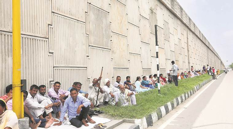 dera sacha sauda, dera followers held, dera supporters chandigarh, ut police, chandigarh police, gurmeet ram rahim singh, rape case verdict, indian express