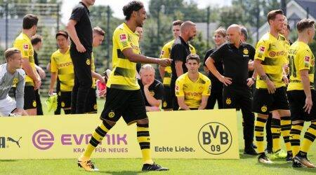 Borussia Dortmund, Bayern Munich start with easy German Cup wins