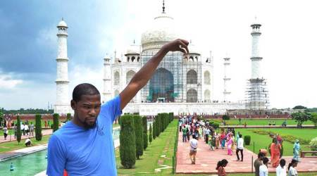 Kevin Durant's Discovery of India: Cows, monkey, dogs and underprivileged people