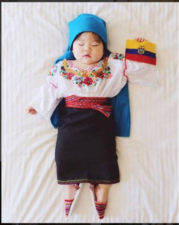 SLEEPING BABY on a WORLD TOUR! The #JoeyWorldProject photo series is super adorable