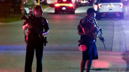 Florida shooting: Suspect in killings of two police officers arrested at bar