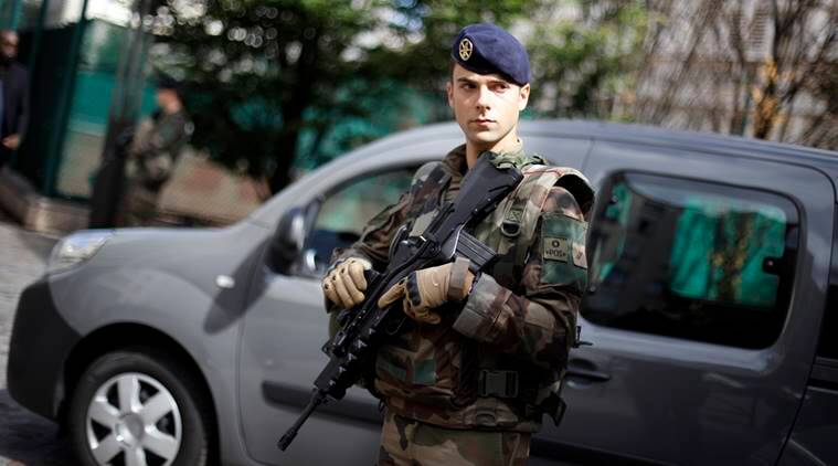 Paris soldiers, French soldiers, France police manhunt, Paris manhunt, french soldiers hit, car hits french soldiers, Paris Latest news, France latest news, Indian Express News