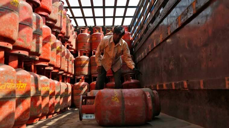 lpg cylinder price, LPG gas price reduce, indian oil corporation, domestic LPG cylinders subsidy price, gas cylinders subsidies, india news, latest news, indian express