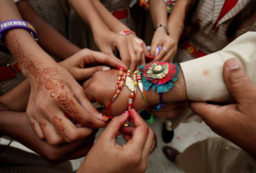 Raksha bandhan 2017, Bhopal Jail, Inmates, people celebrating raksha bandhan across india, photos of people celebrating raksha bandhan, pictures of raksha bandhan, indian express, indian express news, Indian Express