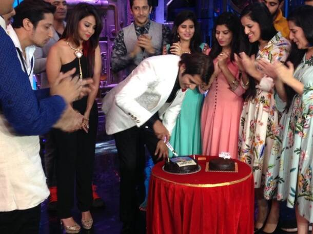 Karanvir Bohra, Karanvir Bohra birthday celebration, Karanvir Bohra age, Karanvir Bohra birthday photos, Karanvir Bohra india's Best Judwaah sets, india's Best Judwaah