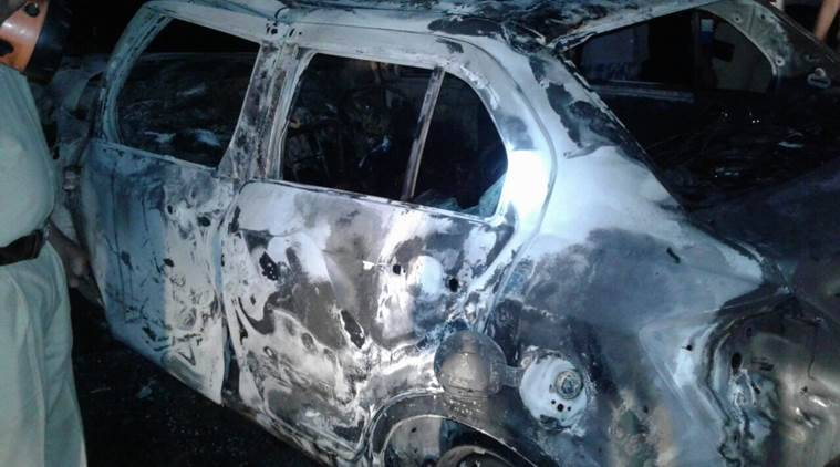 Pune car accident, Pune car fire, Junnar car fire, Aalephata police station, pune news, indian express news