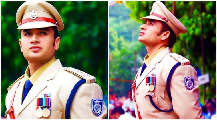 sachin atulkar, handsome ips officer, dashing ips officer, good looking ips officer, ips officer madhya pradesh, ips officer viral photos, ips officer man crush, indian express, indian express news