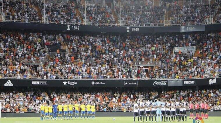 c650a01483cf La Liga begins with tributes to victims of Barcelona attacks ...