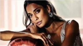 Lisa Haydon Promotes Breastfeeding
