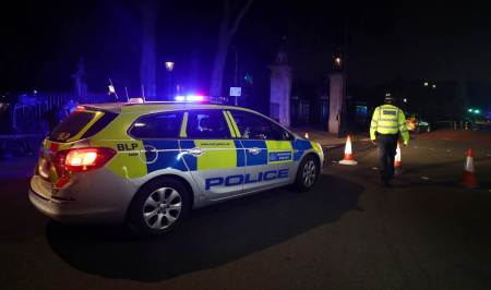 london, buckingham palace attack, britain, london knife attack, knife attacker near queens palace, england knife attack, uk news, indian express