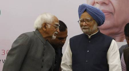Invoking Urdu couplet, Manmohan Singh wishes Hamid Ansari good health, long life