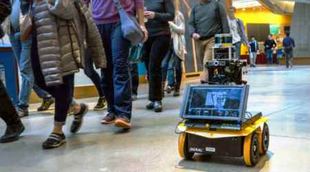 This autonomous MIT robot can follow rules of pedestrians
