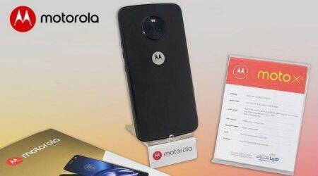 Moto X4 with dual rear cameras, 3D glass back revealed in new images