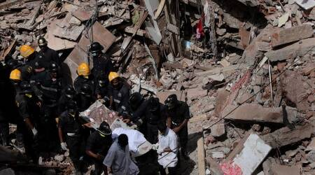 Bhendi Bazaar building collapse: Eight of a family, two labourers founddead