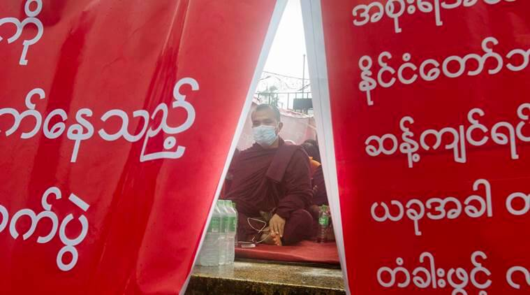 Rohingya suspects,Myanmar Buddhist monks, myanmar protests, human rights violations , rohingya minority, world news