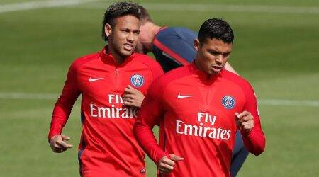 Neymar PSG debut lifts France to fever pitch