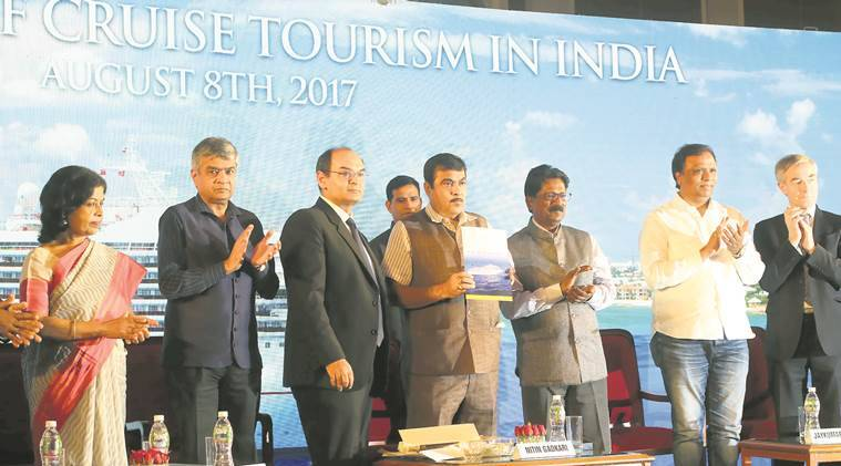 Govt looks to attract 40 lakh cruise tourists in 5 yrs:Gadkari