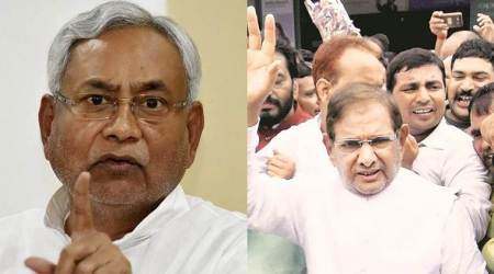 Nitish Kumar, Sharad Yadav supporters clash outside CM's house