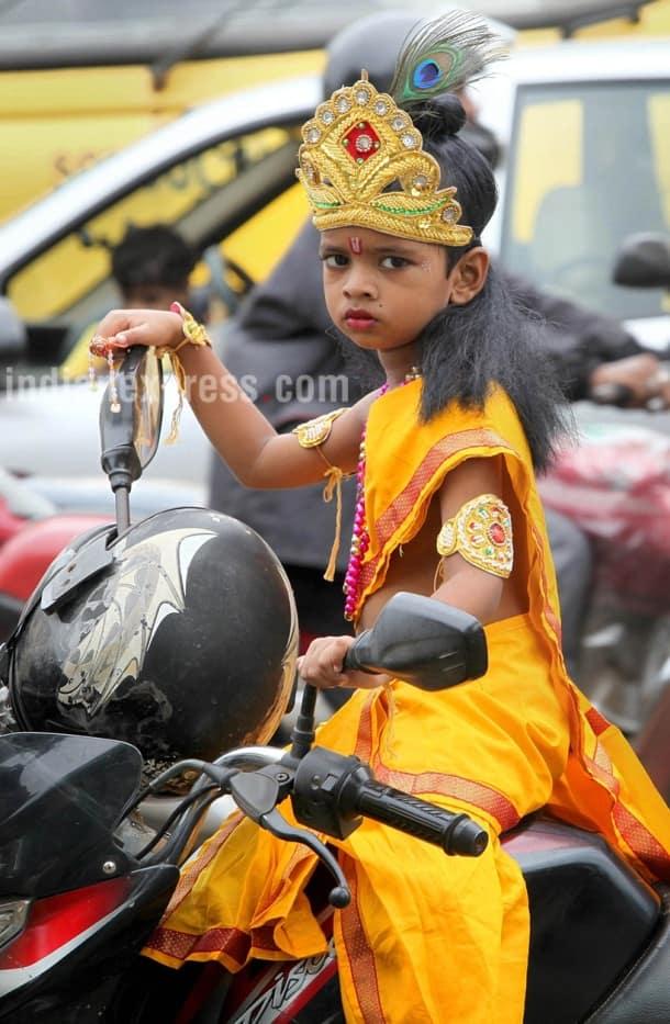 Krishna Janmashtami 2017, janmashtami, krishna janmashtami, happy janmashtami, lord krishna, janmashtami photos, happy janmashtami pictures, janmashtami preperations, indian festival, festival photos, indian express