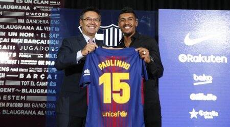 Paulinho arrives in Barcelona for official presentation