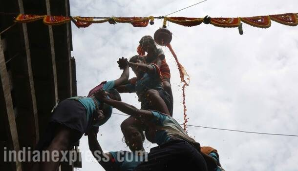 Krishna Janmashtami 2017, janmashtami, krishna janmashtami, dahi handi, dahi handi photos, dahi handi mumbai, mumbai dahi handi celebrations, happy janmashtami, lord krishna, janmashtami photos, happy janmashtami pictures, janmashtami preperations, indian festival, festival photos, indian express