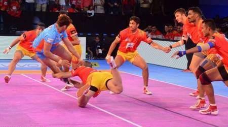 UP Yoddha vs Bengal Warriors live score, Pro Kabaddi league Live score: Yoddha 31-32 Bengal at half-time