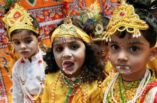 Krishna Janmashtami 2017, janmashtami, krishna janmashtami, happy janmashtami, lord krishna, krishna jayanti, sri krishna jayanti, janmashtami photos, happy janmashtami pictures, janmashtami preperations, indian festival, festival photos, janmashtami celebrations, indian express