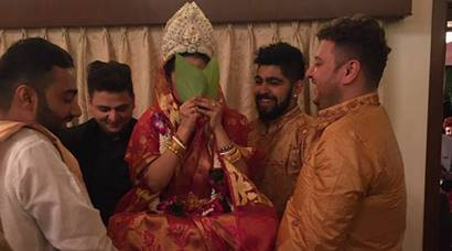 Riya Sen and Shivam Tiwari's wedding was a quiet Bengali bash