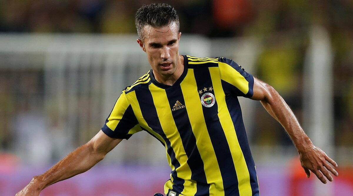 Robin van Persie back in Dutch team for World Cup qualifiers