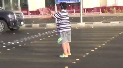 VIDEO: Teen DANCES to MACARENA on the road in SAUDI ARABIA! Gets arrested