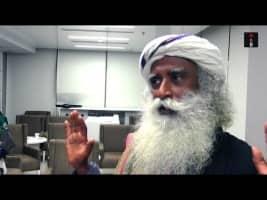 Sadhguru Jaggi Vasudev's Take On Social Media, Yoga & The Blue WhaleGame