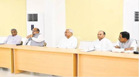 Nitish Kumar versus Sharad Yadav: Parallel JDU meetings in Patna today