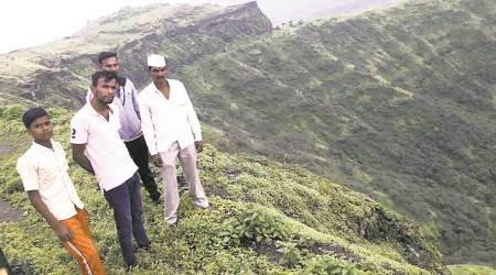 Tourists risk lives to climb Sinhagad Fort