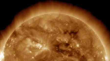 Sun's core rotates four times faster than its surface, discoverscientists