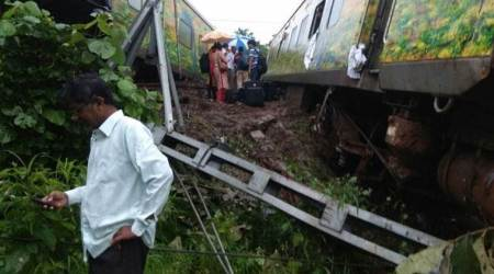 Nagpur-Mumbai Duronto Express derails highlights: 9 coaches go off track near Asangaon