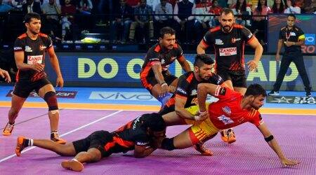 Pro Kabaddi 2017, U Mumba, Jaipur Pink Panthers win on opening day in Lucknow