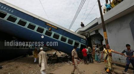 Utkal Express derailment: Suresh Prabhu asks Railway Board to fix responsibility, officials says happened due maintenance work