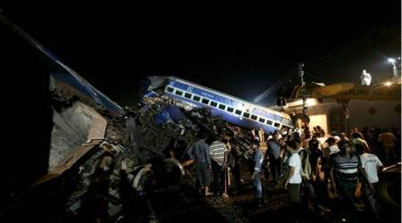 Sonia, Rahul express grief over deaths in Utkal Express derailment