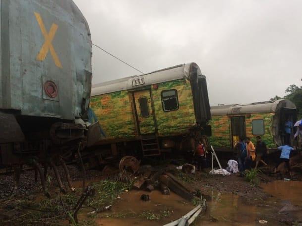 Duronto Express derails: Rescue operation underway, train traffic affected