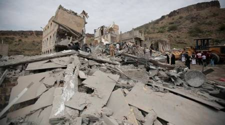 Yemen war: Saudi Arabia led coalition intensifies air strikes after President Saleh's death