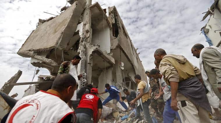 airstrike in yemen capital, airstrike in sanna, saudi airstrike in yemen capital, saudi airstrike in sanna, world news, indian express news