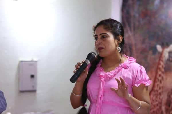 Anamika Mazumdar, Anamika Mazumdar crorepati, Anamika Mazumdar kbc, Anamika Mazumdar amitabh bachchan, Anamika Mazumdar images