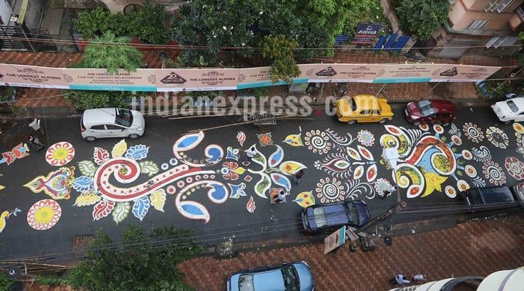 durga puja, durga puja in kolkata, kolkata lake road, lake road alpona, lake road rangoli, longest alpona in kolkata, decorations in kolkata, durga puja celebrations, indian express, indian express news