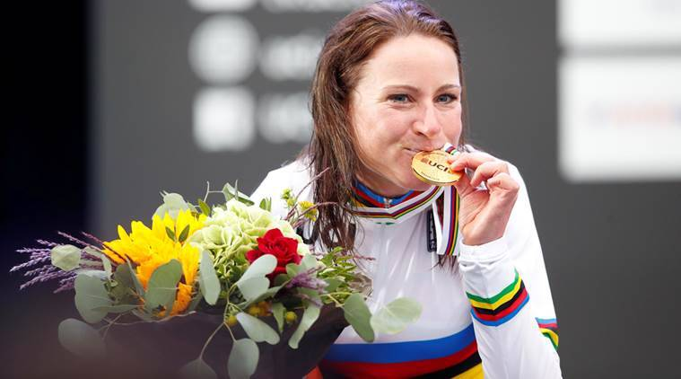 Annemiek van Vleuten storms to World Time Trial title