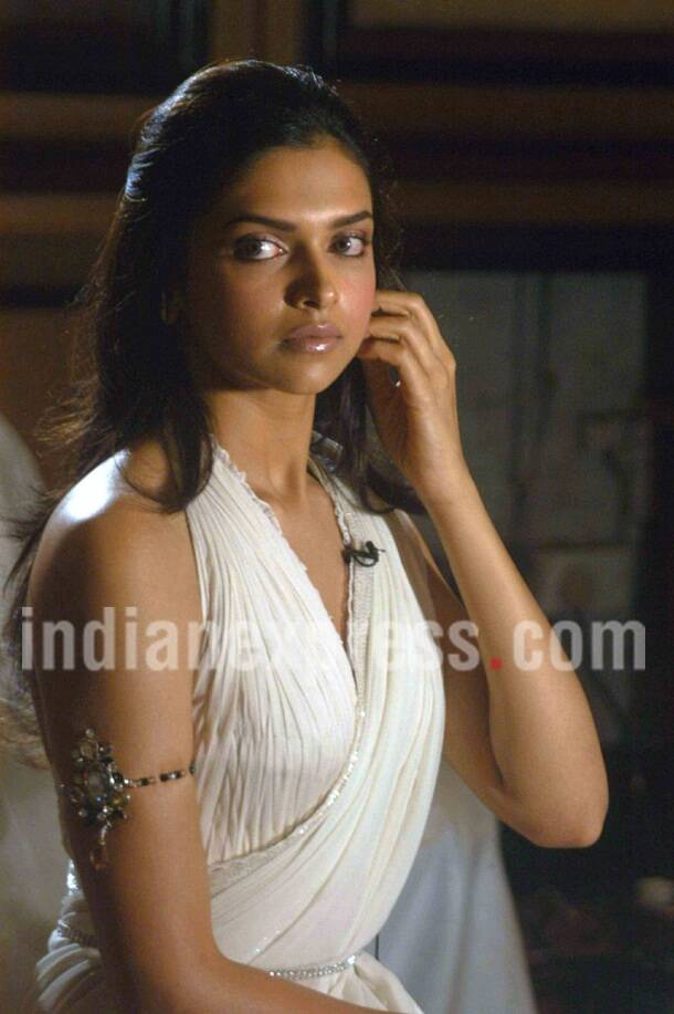Deepika Padukone, Deepika Padukone photos, Deepika Padukone pics, Deepika Padukone hot, Deepika Padukone images, Deepika Padukone pictures
