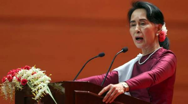 Aung San Suu Kyi won't be stripped of Nobel Peace Prize, says committee