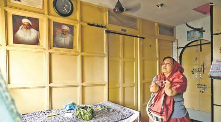 Residents stay put in 'dangerous buildings', demand relocation closer to Bhendi Bazaar